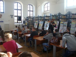 Wycieczka kl. II GM do biblioteki i stacji meteorologicznej_1