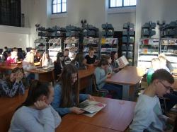 Wycieczka kl. II GM do biblioteki i stacji meteorologicznej_3