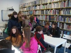 Wycieczka kl. II GM do biblioteki i stacji meteorologicznej_7